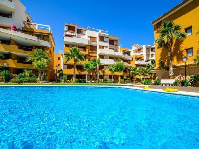 Apartamento en Punta Prima en primera linea del mar