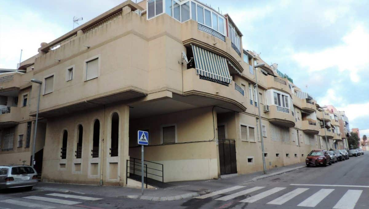 Ático en Torrevieja con solárium privado