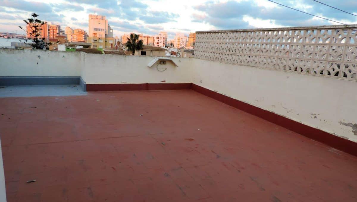 Ático en Torrevieja con solárium privadoÁtico en Torrevieja con solárium privado