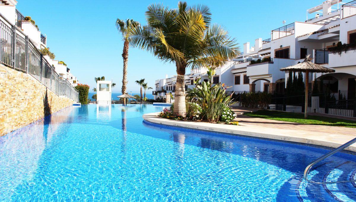 Bungalow en residencial Azul Beach en La Mata