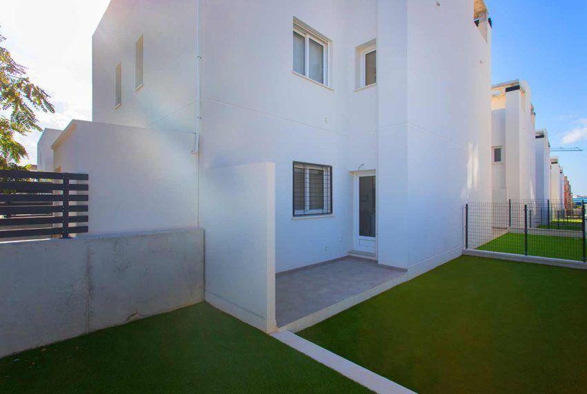Breezes - Bungalow en Torrevieja de obra nueva con piscina y garaje