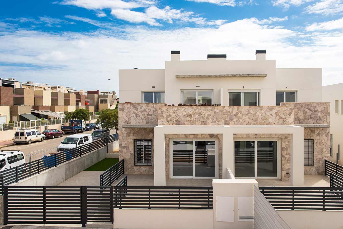 Dúplex en Torrevieja con piscina y garaje de obra nueva – Breezes