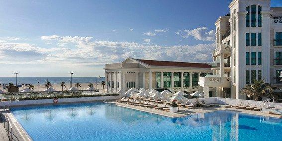 España es el líder mundial en reservas de hoteles en agosto