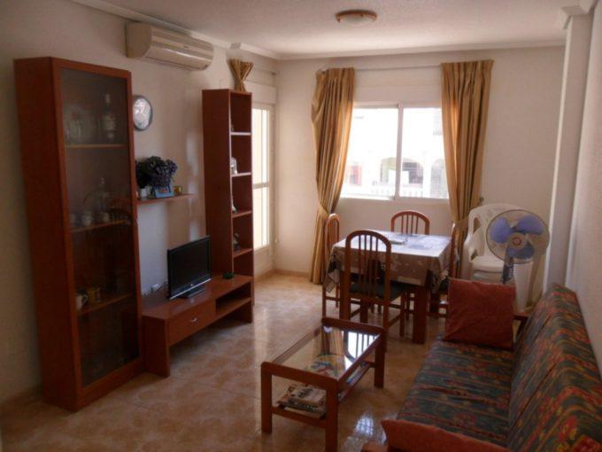 Apartamento de 2 dormitorios con piscina cerca playa Acequion