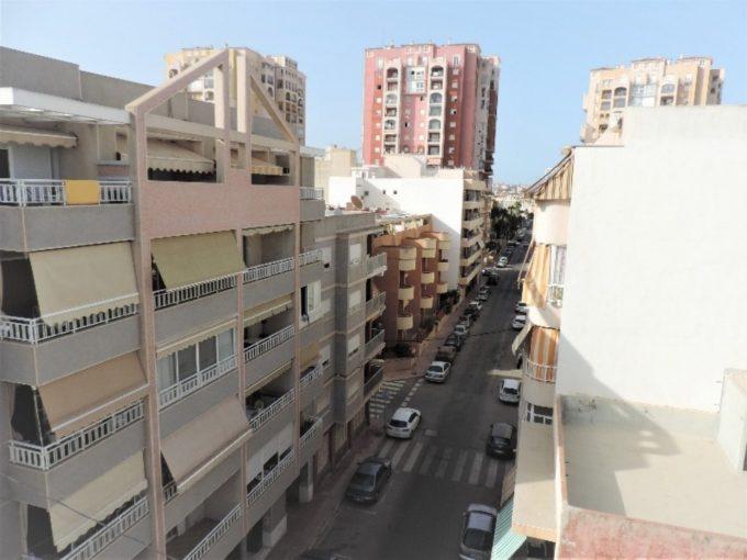 Atico de 3 dormitorios a 80 metros hasta playa Los Locos