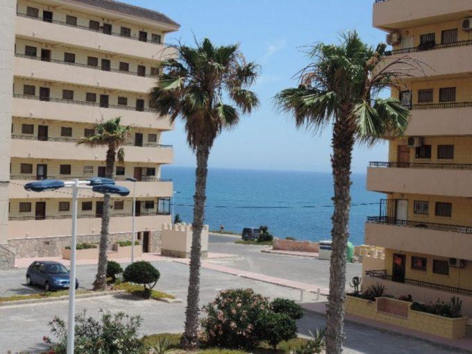 Apartamento con vistas al mar directas en Cabo Cervera