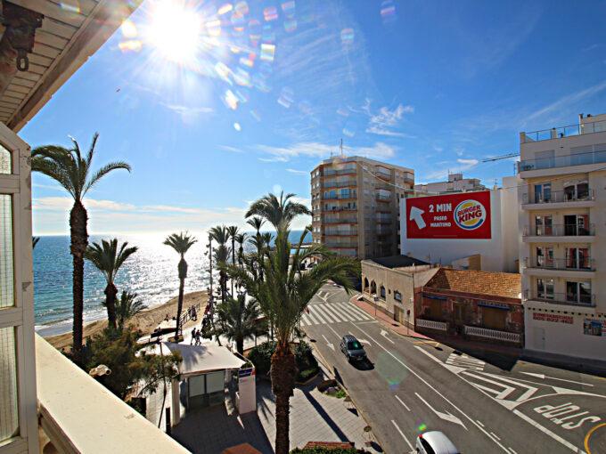 Apartamento en Torrevieja en primera linea de la Playa del Cura