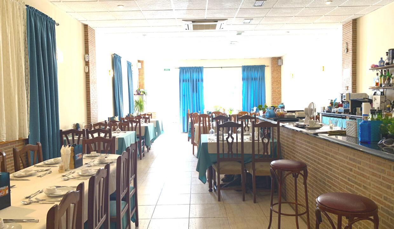 Se traspasa bar-restaurante en la playa La Zenia