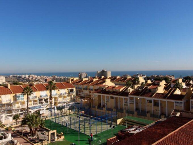 Fantastico apartamento en Torrevieja con vistas panorámicas al mar